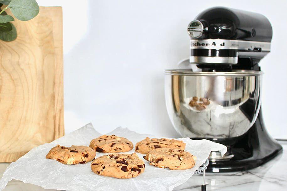 SWIISH-OOEY-GOOEY-CHOCOLATE-COOKIES
