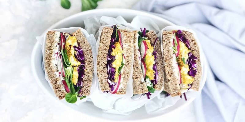 SWIISH-TURMERIC-CHICKEN-&-SALAD-SANDWICH-2