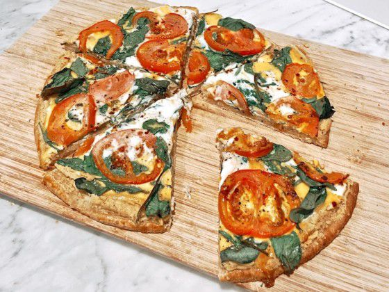 EASY-ITALIAN-EGG-PIZZA