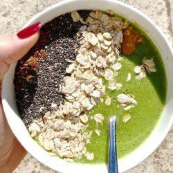 swiish-green-goddess-glow-smoothie-bowl